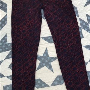 LuLaRoe Pants - LuLaRue one Sz Leggings. Navy blue & Red